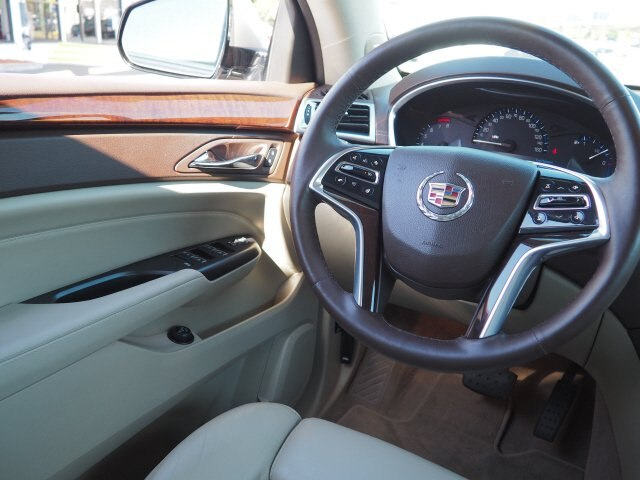 Miraculous Pre Owned 2016 Cadillac Srx Luxury Collection Fwd Suv Uwap Interior Chair Design Uwaporg